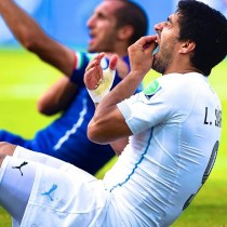 luis_suarez_bite_world_cup_2014